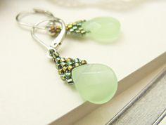 Beaded earrings <3  Wow!  I never could grasp wire wrapping a briolette.  This is a beautiful earring!