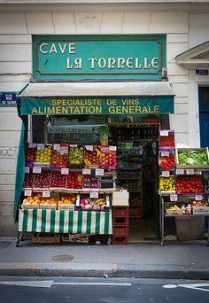 La Cave La Tonnelle ~ A small grocery store in central Paris | photo by Inge Johnsson via Fine Art America   ᘡղbᘠ