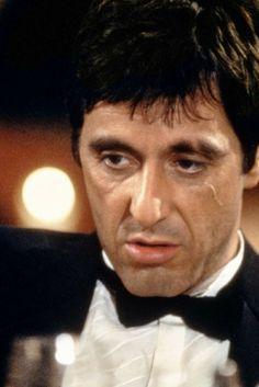 O incrível Al Pacino em Scarface. 10 filmes com o ator Al Pacino que você precisa assistir. O cinema disposto em todas as suas formas. Análises desde os clássicos até as novidades que permeiam a sétima arte. Críticas de filmes e matérias especiais todos os dias.