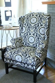 mobili funky e design Wingback Chair Slipcovers, Reupholster Furniture, Chair Upholstery, Upholstered Chairs, Chair Cushions, Recover Chairs, Upholstery Nails, Swivel Chair, Chair Makeover