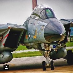 #Repost @global_air_force Grumman F-14 B Tomcat (Bombcat) . F-14B : The F-14 received its first of many major upgrades in March 1987 with the F-14A Plus (or F-14A). The F-14A's P&W TF30 engine was replaced with the improved GE F110-GE400 engine. The F-14A also received the state-of-the-art ALR-67 Radar Homing and Warning (RHAW) system. Much of the avionics as well as the AWG-9 radar were retained. The F-14A was later redesignated F-14B on 1 May 1991. A total of 38 new aircraft were…