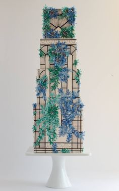 She bakes cakes fit for a queen. Now commoners can afford her treats, too. Gorgeous Cakes, Pretty Cakes, Amazing Cakes, Deco Wedding Cake, Wedding Cake Designs, Cake Design Inspiration, Wedding Cake Inspiration, Art Deco Cake, Cake Art