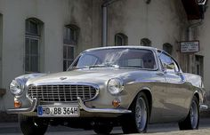 """Timeless beauty: The Volvo P1800 Roger Moore drove in the series """"The Saint""""."""