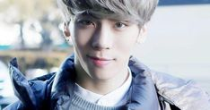 8 Heart-Touching Times SHINee's Jonghyun Protected His Fans With Love - Koreaboo