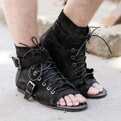 e7ee1b606ab Special spike Korean version of the influx of men's summer fashion shoes  Roman sandals men's sandals, open-toed popular men's retro