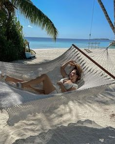 Maldives Vacation, Movie Crafts, Bunny Dance, Turkish Women Beautiful, Hande Ercel, Female Actresses, Turkish Actors, Beach Day, Outdoor Furniture
