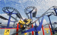 Enjoy your vacation at LEGOLAND California Resort with tons of LEGO fun for the whole family. This San Diego amusement park is great for toddlers, kids and adults. Travel With Kids, Family Travel, Legoland Park, Legoland California, Marti, Lego Technic, Places Ive Been, Tours, Vacation