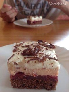 Višňové rezy so šľahačkou - Recept