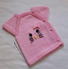 hello-ktty-bebek-yelek-yandan-dugmeli-dikissiz Baby Booties Knitting Pattern, Baby Knitting Patterns, Moda Emo, Baby Vest, Baby Sweaters, Baby Bottles, Baby Blanket Crochet, Lana, Diy And Crafts