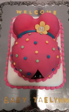 Pregnant belly cake for a baby shower