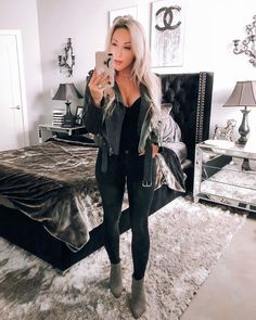 – Trendy Fashion Ideas Trending Urban Party Outfits To Look Fantastic Winter Outfits For Teen Girls, Winter Date Night Outfits, Night Out Outfit, Fall Outfits, Vegas Outfit Night, Black Jeans Outfit Night, Summer Bar Outfits, Casual Date Night Outfit, Concert Outfit Winter