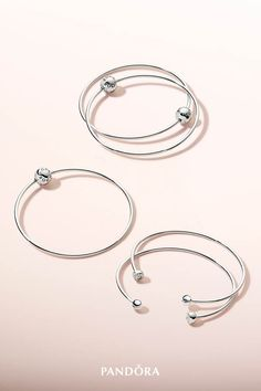 Exude timeless elegance with our PANDORA ESSENCE COLLECTION bangles in sterling silver. Perfect solo and stacked, the bracelets are the perfect choice for sophisticated looks. Pandora Open Bangle, Pandora Bracelet Charms, Pandora Jewelry, Pandora Pandora, Charm Bracelets, Photo Jewelry, Fashion Jewelry, Pandora Accessories, Pandora Essence