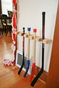 hockey stick rack (this whole post is about her son's hockey birthday party.  So cute!)