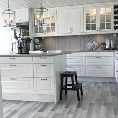 küche Kitchen ideas Laminate Flooring While Remodeling the Home Article Body: There are just so many Ikea Galley Kitchen, White Galley Kitchens, Galley Kitchen Design, Grey Kitchen Designs, Galley Kitchen Remodel, Kitchen Layout, Home Kitchens, Kitchen Cabinets, Home Decor Kitchen