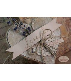 ΜΠΟΜΠΟΝΙΕΡΑ ΛΕΒΑΝΤΑ Place Cards, Lily, Gift Wrapping, Place Card Holders, Gift Cards, Gifts, Wedding, Tags, Heart