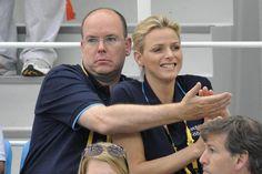 Zehn Jahre, nachdem sie sich an Olympischen Spielen kennenlernten, haben sich Fürst Albert von Monaco und Charlene Wittstock endlich verlobt. Sie sind nicht das einzige bekannte Paar, das sich bei Olympia kennenlernte. In der SI-online-Bildergalerie sehen Sie, welche anderen Beziehungen so spielend begannen.