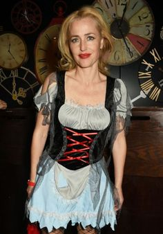 Gillian Anderson – Page 4 Gillian Anderson, Halloween Ball, Actrices Hollywood, Christina Ricci, Celebs, Celebrities, Up Girl, Woman Crush, Rolodex