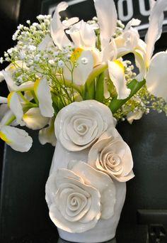 OBSESSED with this vase by Caroline Rheel
