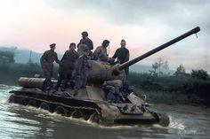 Т-34 форсирует реку Хандаса-гава. Южный Сахалин. 1945