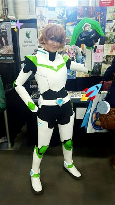 I don't usually pin cosplays but this person is amazing and adorable and it's very very good