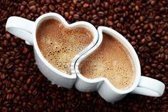 Heart espresso cups -  too cute  CAFÉ, não é UMA BEBIDA .... É UM ABRAÇO!