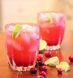 Cranberry Vodka Spritzer (4) 1½ cups fresh cranberries ¼ cup water 2 tbsp honey 1½ oz vodka, per drink fresh lime, cut into wedges club soda ice