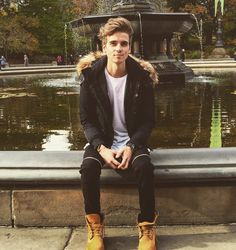 joe says he cant grow facial hair. why can i see it?!! #thatcherjoe #joesugg #perfection