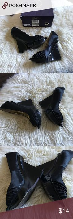 Hale Bob Black Sunshine Peep Toe Wedge Shoes 8 Hale Bob Black Sunshine Peep Toe Wedge Shoes   Listing these in fair condition, the bottoms of the wedges are chipped and could probably use a good coat of black paint.   Size - 8 Hale Bob Shoes Wedges