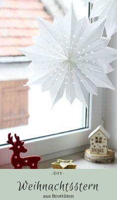 DIY: Weihnachtsstern aus weißen Brottüten basteln. Schritt für Schritt Anleitung zum nachbasteln - einfach und schnell gemacht. Schöne Deko für die Weihnachtszeit