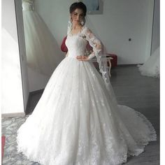 Lace Wedding Dresses Puffy Ball Gown Bridal Gowns Jewel Neck Covered Button Sweep Train Novia Wedding Gowns