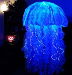 DIY Halloween Costume. My Jellyfish Halloween Costume - 2016  sc 1 st  Pinterest & Made this Jellyfish costume for my mom using an umbrella hat bubble ...