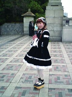 An archive of old school lolita coordinates Quirky Fashion, Lolita Fashion, Gothic Fashion, Lolita Cosplay, Japanese Street Fashion, Gothic Lolita, Alternative Fashion, Types Of Fashion Styles, Old School