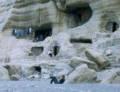 Matala Crete The Hippie Caves of Matala that housed Joni Mitchell Mykonos Greece, Crete Greece, Athens Greece, Matala Crete, Places To Travel, Places To See, Travel Destinations, Days Hotel, Crete Island