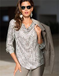 Cool and delicately flowing in a figure-swirling cut and an exciting polka dot print. Long-sleeved blouse with softly falling waterfall neckline. With slit and small button made of real mother of pearl at the back. Madeleine Fashion, 2016 Fashion Trends, Classic Chic, Tunic Blouse, Polka Dot Print, Straight Leg Pants, Clothes For Women, Lady, How To Wear