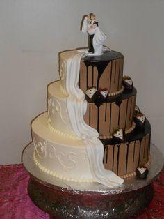 Pelazzio Full Service Wedding Venue can handle your cakes too! Even for your groom!! #Houston #Wedding #Cake www.pelazzio.com