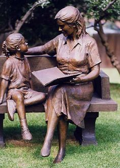 Glenna Goodacre, considered by many to be America's sculptor, is internationally renowned for her large-scale bronze figurative sculptures. Her works: Park Place, Sacagawea Dollar, Womens Vietnam Memorial Artist. Book Sculpture, Outdoor Sculpture, Garden Sculpture, Glenna Goodacre, Book Images, Garden Statues, Public Art, Oeuvre D'art, Book Art