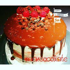 Red Velvet  #dripcake #redvelvet #frambuesa #chocolate #mascocolate #birthadaycake #tartadecumpleaños #hagotutarta #tartasmadrid #ingredientesecologicos