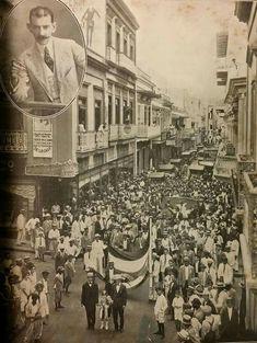 Foto del homenaje dedicado al prócer José de Diego en las calles de San Juan al conmemorarse el tercer aniversario de su muerte. San Juan, Puerto Rico. 16 de julio de 1921. Cortesía: Universidad de Puerto Rico.