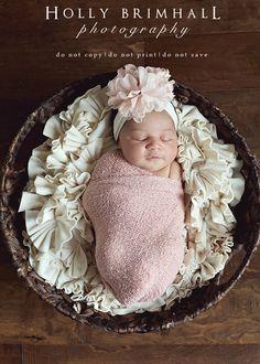 newborn photography - newborn photo props `