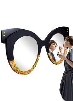 Dieser Spiegel ist ein echtes Designerstück, von Hand in Airbrush Technik bemalt und bedruckt, macht jede Wand zu einem echten Hingucker. Von Hand in Airbrush Technik bemalt und bedruckt. Handgefertigt, sehr hohe Qualität. Folding Furniture, Home Decor Furniture, Unusual Furniture, Shabby Vintage, Home Decor Kitchen, Diy Home Decor, Airbrush Makeup, Mirror Work, Blue Eye Makeup