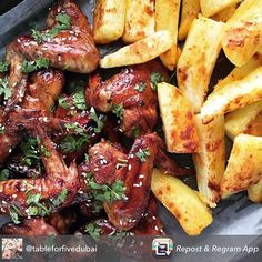 Repost from using - The close up 😋 Sticky chicken wings (recipe by Siba Mtongana) and crispy paprika wedges for dinner yesterday. Sibas Table Recipes, Dinner Recipes, Sticky Chicken Wings, South African Recipes, Chicken Wing Recipes, Food To Make, Wedges, Fish, Meat