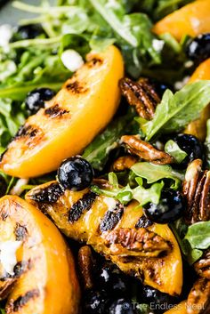 Grilled Peach Salad, Grilled Peaches, Honey Balsamic Dressing, Honey Dressing, Best Salads Ever, Summer Side Dishes, Summer Salads, Summer Bbq, Goat Cheese Salad