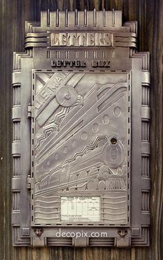 The Art Deco Architecture Site - Art Deco Metalwork Gallery - Mailbox, Broadway, NYC Motif Art Deco, Art Deco Design, Retro Design, Art Nouveau, Art Deco Period, Art Deco Era, Belle Epoque, Muebles Art Deco, Design Industrial