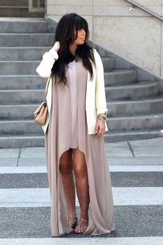 Kim Kardashian finally gives in to maternity style - but where is baby daddy Kanye West? Kim Kardashian Pregnant, Kardashian Style, Pregnancy Looks, Pregnancy Style, Pregnacy Fashion, Fashion News, Fashion Outfits, Flowing Dresses, Beige Dresses