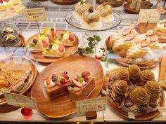 ケーキケース 冷蔵ショーケースのダイヤ冷ケース 製品導入店の紹介 LE COEUR SWEETS CAFE + HAPPY 福井県福井市