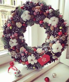 Christmas Door Wreaths, Burlap Wreath, Creative Ideas, Doors, Holiday Decor, Home Decor, Slab Doors, Homemade Home Decor, Puertas