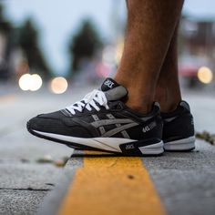 GEL Saga Men Black/Black ASICS Tiger United States