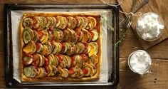 Vegetable pie by Greek chef Akis Petretzikis. This super aromatic pie is quick and easy to make and a great way to add more healthy vegetables to your diet! Vegetable Tart, Healthy Vegetables, Lunches And Dinners, Ratatouille, Food Styling, Side Dishes, Food Porn, Dinner Recipes, Appetizers