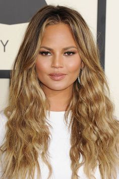 The Most Flattering Haircuts For Oval Face Shapes Halle Berry From