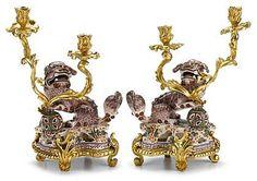 Шинуазри́, шинуазери́ (от фр. chinoiserie), дословно китайщина — использование мотивов и стилистических приёмов средневекового китайского искусства в европейской живописи, декоративно-прикладном искусстве, костюме, в оформлении садово-парковых ансамблей XVIII века.